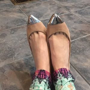 Dolce Vita metallic point flats